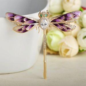 34af1c1bb49 Vazira Queen's Closet (@luxuryjewelry) | Poshmark